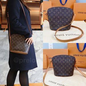 ♥️DROUOT♥️ Authentic Louis Vuitton Crossbody!